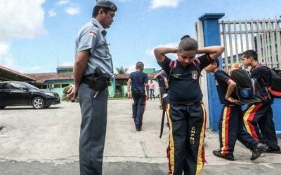 Militarização das escolas no DF começa nas periferias